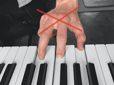 Wrong hand position - chord